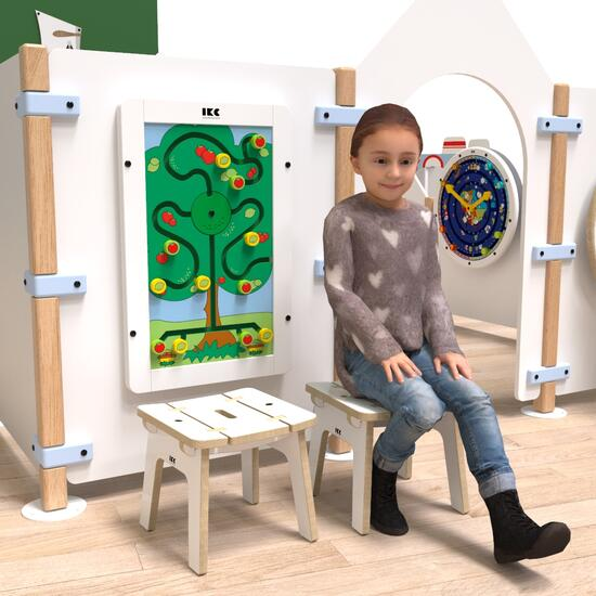 Op deze afbeelding ziet u kindermeubel buxus kinderkrukje wit